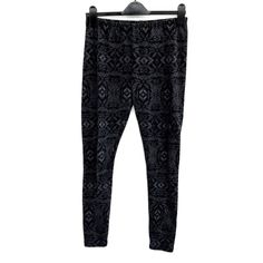 New Look Leggings Womens uk Medium black with grey pattern winter Pj bottoms vgc New Look Leggings, Winter Leggings, Grey Pattern, Click Photo, Clothes For Sale, Pj, My Ebay, Girl Outfits, Pajama Pants