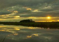 'Morgenstond heeft goud in de mond'  Westerwoldse Aa ter hoogte van Wedderbergen.