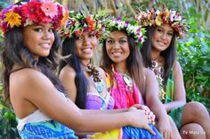 ~Catch the bird but watch for the wave. Polynesian Girls, Polynesian Dance, Polynesian Islands, Polynesian Culture, Hawaiian Girls, Hawaiian Dancers, Hawaiian Art, Hula Dancers, Surf