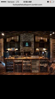 Zentrale Hardware Anyone? :) How Durable Are Air Mattresses Article Body: Air mattresses are a great Music Studio Room, Home Studio, Studio Gear, Studio Equipment, Recording Studio Setup, Digital Audio Workstation, Happy Studio, Audio Room, Studio Organization