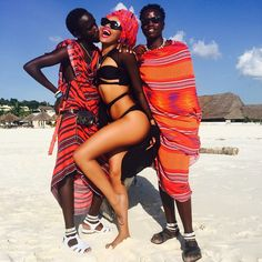 Bonang Matheba at a photoshoot 👑🐝 Love ME some African men! Queen B, Black Queen, Tanzania, Fifa, Real Black Magic, Red Carpet Dresses 2016, Queen Pictures, African Men, Brown Skin