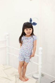 cute baby pajama :D    http://www.ebay.com/itm/NWT-Vaenait-Baby-Toddler-Boy-Girl-Short-Sleeves-Pyjama-Set-Cosmos-Farm-/180885588291?pt=UK_Girls_Nightwear==item2a1d9f0943