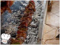 ΚΟΝΤΟΣΟΥΒΛΙ ΧΟΙΡΙΝΟ ΣΟΥΒΛΑΣ ΣΠΕΣΙΑΛ !!! - Νόστιμες συνταγές της Γωγώς! Sausage, Grilling, Food And Drink, Turkey, Meat, Peru, Beef, Sausages, Crickets
