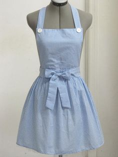 Dorothy from the Wizard of Oz Apron Great by AquamarsBoutique Dress Up Costumes, Cute Costumes, Brick Road, Baking Apron, Techniques Couture, Cute Aprons, Aprons Vintage, Retro Apron, Sewing Aprons