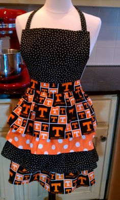 Tennessee Volunteers Tailgate Collegiate Hostess  Ruffled Woman's Apron with Ties around Waist and Neck