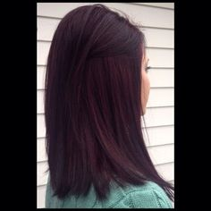 Tabitha Gibbon Haar Highlights Violet Bangs 16 Ideen # Haarnadeln Bay Window Treatments If you are l Pelo Color Vino, Pelo Color Borgoña, Lob Hairstyle, Pretty Hairstyles, Cherry Hair Colors, Chocolate Cherry Hair Color, Black Cherry Hair Color, Dark Cherry Hair, Red Brown Hair Color