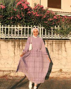 Modest Fashion Hijab, Street Hijab Fashion, Hijab Chic, Muslim Fashion, Fashion Outfits, Hijab Dress Party, Hijab Fashion Inspiration, Tier Fotos, Chic Dress