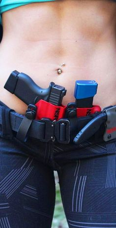 Home - Gun and Shooter - Shooting Guns & Having Fun Glock Guns, Weapons Guns, Guns And Ammo, Shooting Guns, Shooting Range, Kydex Holster, Military Girl, Warrior Girl, Military Women