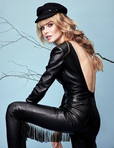 Cute young Lady in a fantastic black Leather Jumpsuit Leather Catsuit, Leather Jumpsuit, Leather Pants, Latex Lady, Leather Fashion, Women's Fashion, Street Fashion, Girl Smoking, Leather And Lace