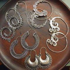 Boucles d'oreilles à motifs en métal argenté