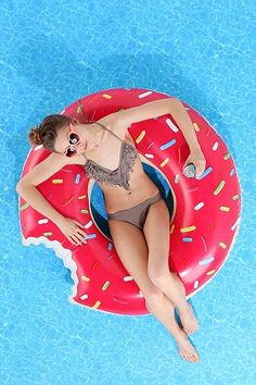 Donut Pool Float....WANT! I have to get this...if you know me...you know I LOVE donuts!