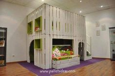Pallet Wood Playhouse Ideas for Kids