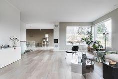 (1) FINN – Fantastisk arkitekttegnet enebolig fra 2017 med eksklusive kvaliteter, god takhøyde, store uteområder og dobbel garasje i attraktive omgivelser med gode solforhold!