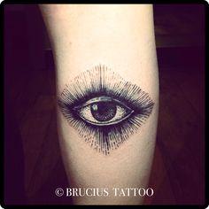 Eye of Providence, etching style.