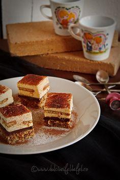 Prajitura cu blat de nuca si crema de vanilie Romanian Desserts, Romanian Food, My Favorite Food, Favorite Recipes, Home Remedies, Tiramisu, French Toast, Sweet Treats, Cheesecake