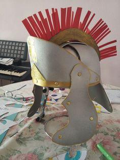 Casco gladiador de goma eva