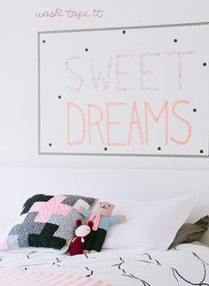 wall decoration with washi tape: http://www.mammachecasa.com/2015/10/washi-tape-per-decorare-la-cameretta/