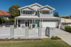 If you are looking for houses for sale Brisbane then you are in the right place. Madeleine Hicks real estate is Brisbane Northsides leading real estate Die Hamptons, Hamptons Style Homes, Style At Home, Home Look, Coastal Living Rooms, Coastal Homes, Coastal Entryway, Coastal Farmhouse, Coastal Cottage