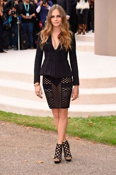 Cara Delevingne - Burberry SS16 Front Row & Arrivals - September 21, 2015 #LFW