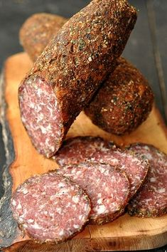 Venison Recipes, Sausage Recipes, Cooking Recipes, How To Make Sausage, Food To Make, Charcuterie, Chorizo, Queens Food, Bulgarian Recipes