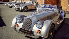 Morgan Plus 4 celebrates 70 years, leaves production with gold special edition Can I Drive, Latest Bmw, Morgan Cars, 70th Anniversary, New Engine, Hair Day, Bag Storage, Product Launch, Celebrities