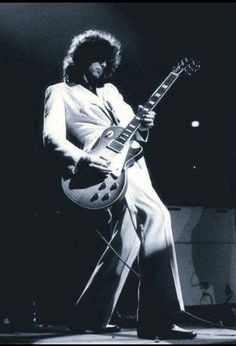 Jimmy Page. Cool shot of the coolest guitarist alive