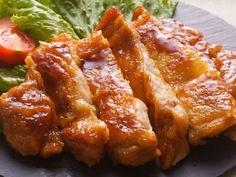 伊勢丹新宿店・鶏肉専門店のプロが教えるとってもジューシィな鶏の照り焼きレシピ。4つの簡単なポイントで表面の皮はパリッとし、中は肉汁たっぷりジューシィな仕上がりに。何度でも作りたい永久保存版レシピです。 Ratatouille, Home Recipes, Cooking Recipes, Paleo, Sweet Sauce, Japanese House, Japanese Food, Vegan, Cooking Time