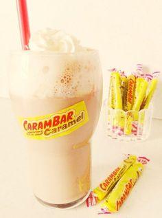 Milkshake Carambar - boisson régressive Milk Shakes, Yummy Drinks, Yummy Food, Best Cookbooks, Vegetable Drinks, Smoothie Drinks, Healthy Eating Tips, Healthy Nutrition, Coffee Recipes