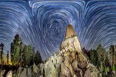 目がくらむような天体パノラマ写真は、「壮観」という言葉では形容しきれない(画像集) Vincent Brady デビルスタワー(ワイオミング州)