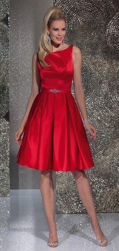 Isabel de Mestre - Evenings Abendkleider Kollektion 2016 (Art.15E029): Kurzes Abendkleid in Rot - ideal auch als Kleider für Brautjungfern.