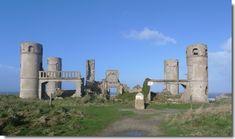 Les ruines du manoir de Saint-Pol-Roux, à Camaret-sur-mer