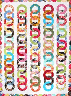 Chain quilt by Karen Griska. Raw-edge machine applique. Quick and easy modern quilt pattern