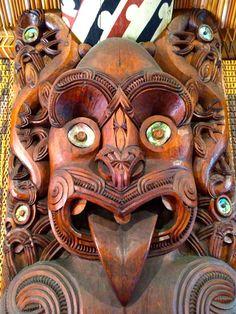 Waitangi - Te Whare Runanga, Carved Meeting House Carving Wood, Bone Carving, Wood Carvings, Boo Boos, Sculptures, Lion Sculpture, Sliding Wall, Maori Designs, Arte Tribal