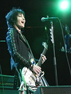 Joan Jett and the Heartbreakers at American Airlines Center in Dallas, 5/2/2015