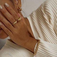 41 Most Beautiful Jewerly Ideas Diy Jewelry Rings, Diy Jewelry Unique, Diy Jewelry To Sell, Dainty Jewelry, Womens Jewelry Rings, Beaded Jewelry, Jewelry Box, Jewelry Armoire, Pandora Jewelry