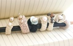Pretty little rings tutorial Cynthia Shaffer's very interesting blog.