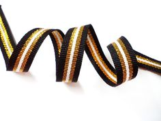 Items similar to 5 YARDS Off White Shiny Gold and Black Gross Grain Trim Ribbon - for Crafts, Sewing , Accessories on Etsy Nail Art Supplies, Arts And Crafts Supplies, Jewelry Supplies, Gucci Fashion, Diy Fashion, Boutique Bows, Red Stripes, Grosgrain Ribbon, Hair Bows