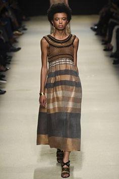 See all the Collection photos from Alberta Ferretti Spring/Summer 2016 Ready-To-Wear now on British Vogue High Fashion, Fashion Show, Womens Fashion, Milan Fashion, Estilo Hippie, Italian Fashion Designers, Milano Fashion Week, Alberta Ferretti, Crochet Fashion