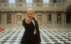 Kenneth Branagh in the title role of the film Hamlet