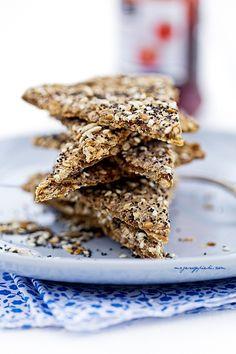 Chrupki chlebek skandynawski Quiches, Hard Rolls, Healthy Breakfast Snacks, Vegetarian Recipes, Cooking Recipes, Happy Kitchen, Vegan Bread, Polish Recipes, Dinner Rolls