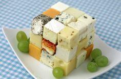 Una suculenta botana de quesos y uvas... ¡Ideal para cuando haya invitados en tu casa!