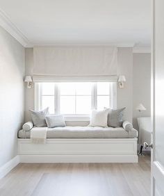 Fresh White Contemporary Bed Of Bedroom Window Seat Designs Luxury Girl S Built In Desk Contemporary - Home Design ideas Home Decor Bedroom, Master Bedroom, Bedroom Furniture, Bedroom Sets, Bedroom Benches, Bedroom Nook, Diy Bedroom, White Bedroom, Window Seat Cushions