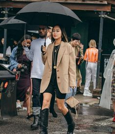 How I Styled an Oversized Blazer with Biker Shorts (Song of Style) Fashion Week 2018, New York Fashion, Song Of Style, Her Style, Look Cool, Cool Style, Blazers, Belle Silhouette, Aimee Song