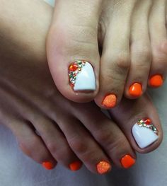 White-Orange Rhinestone TOE NailArt