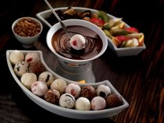 Ice Cream Fondue You can replace 1 cup of light corn syrup with 1 1/4 cups granulated sugar dissolved in 1/4 cup hot water or other liquid used in the recipe. For 1 cup of dark corn syrup, you can use the following substitutions: 3/4 cup light corn syrup plus 1/4 molasses. 1 cup honey.