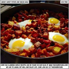 These Slimming World breakfast of syn free smoky sweet potato and bacon hash is absolutely wonderful - easy to cook, full of taste, lots of wonder! Sweet Potato Hash, Sweet Potato Recipes, Savoury Recipes, Healthy Eating Recipes, Healthy Snacks, Snacks Recipes, Egg Recipes, Pork Recipes, Yummy Recipes
