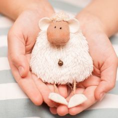 Cute sheep with free pdf pattern - click the blue link above picture