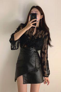 Kpop Fashion Outfits, Edgy Outfits, Korean Outfits, Girl Outfits, Cute Outfits, Korean Girl Fashion, Korean Fashion Trends, Asian Fashion, Womens Fashion