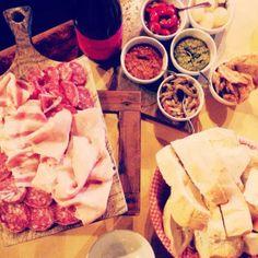 Twitter / @Ainara Garcia: Aquí venía Verdi a comer. ¡No tenía mal gusto!