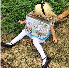 Alice in Wonderland costume from Amazing Literary Halloween Costumes | Bookriot.com